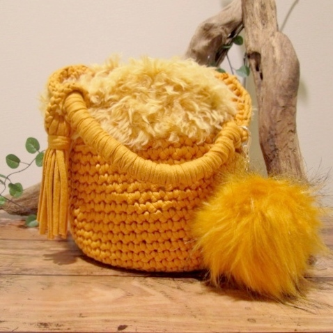 人気のリサイクルヤーンでお洒落手提げバッグを作ろう!