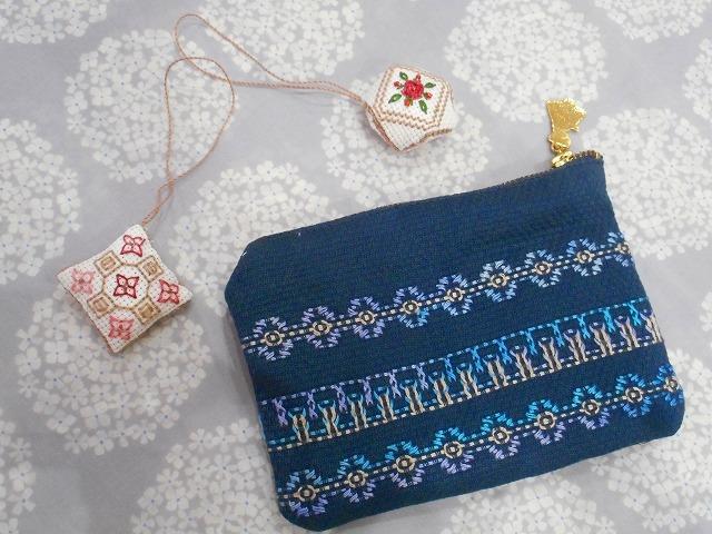 スウェーデン刺繍